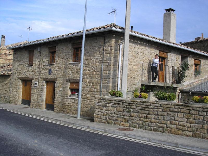 Lerga pueblo de la zona media de navarra bodegas ada - Casas de pueblo ...